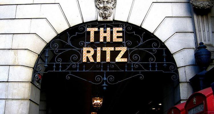 Ritz Casino verklagt High-Roller-Kunden, nachdem Spielschulden zu £ 12,5 Millionen Verlust geführt haben